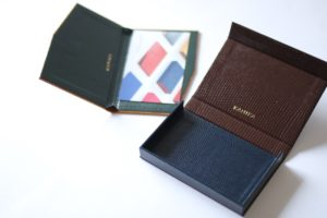 スリムタイプとボックス型名刺ケース