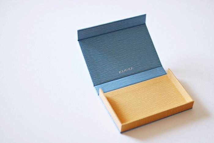 ボックス型名刺ケース(内側) カラー:ライトブルー×イエロー